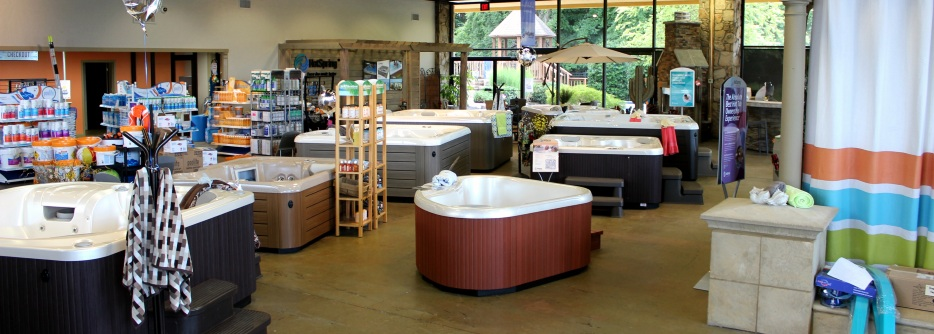 Campbell s pool spa showroom knoxville pool design for Pool showrooms
