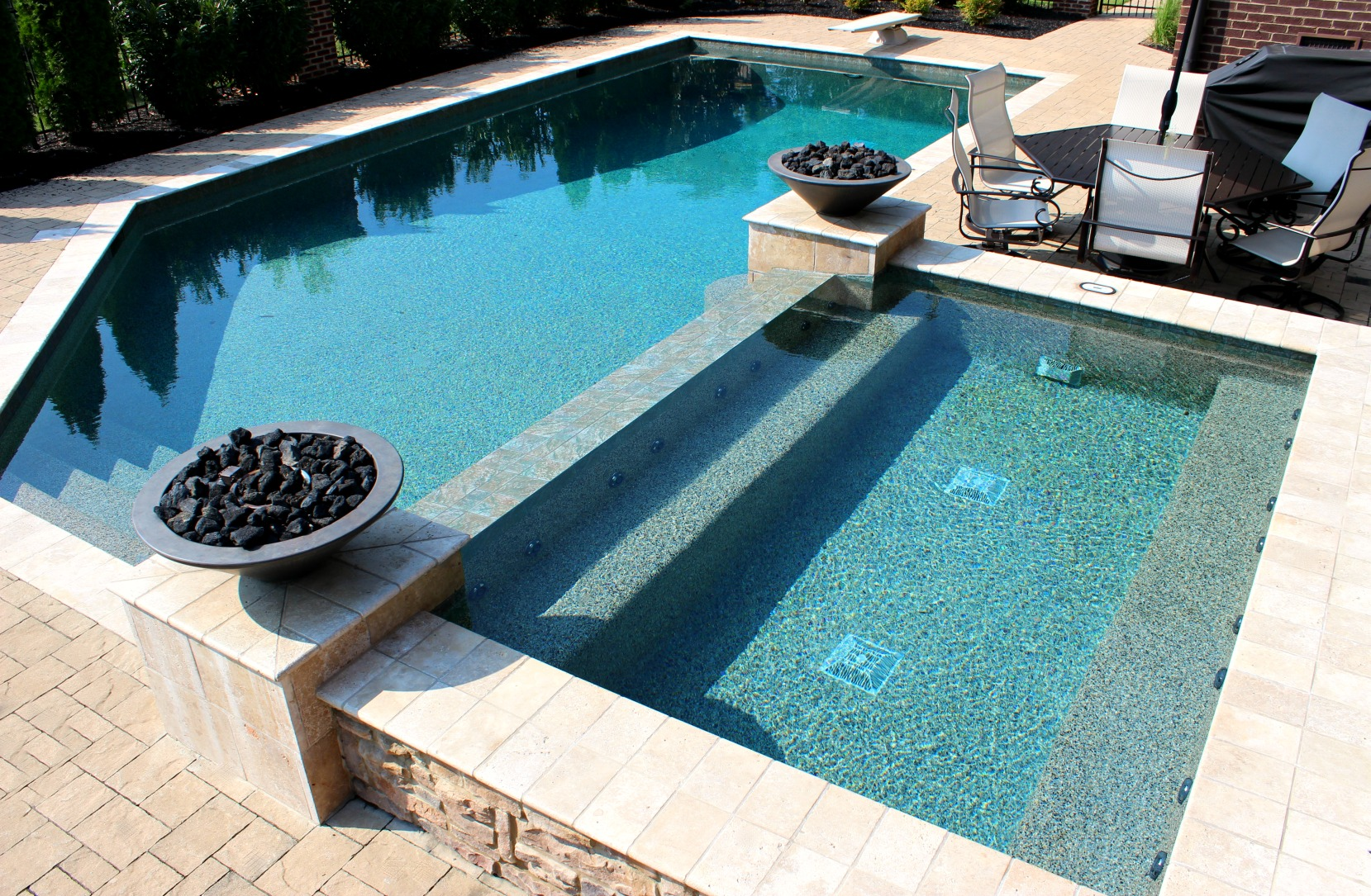 A Swimming Pool for Every Style & Budget